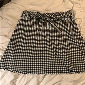 Black and white checkered skirt with pockets